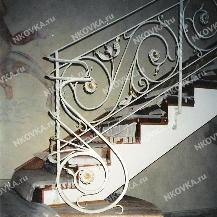 ковка для лестницы классика