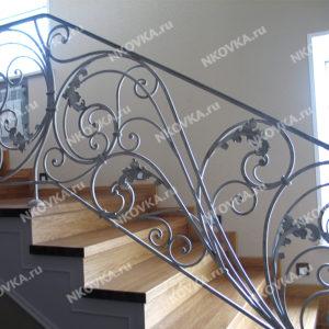 классическая ковка на лестницу