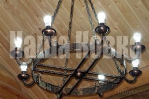 Кованная люстра на цепях