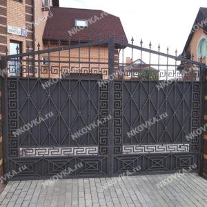 кованые ворота строгая классика