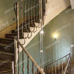 современная ковка лестницы