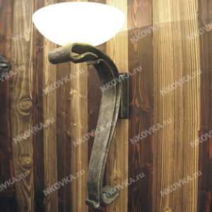 кованый светильник бра