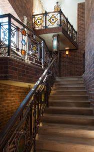 красивая ковка на лестницу