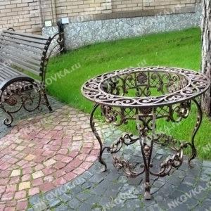 кованый уличный стол
