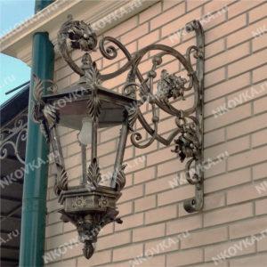 красивый кованый фонарь