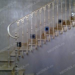 кованая лестница белая